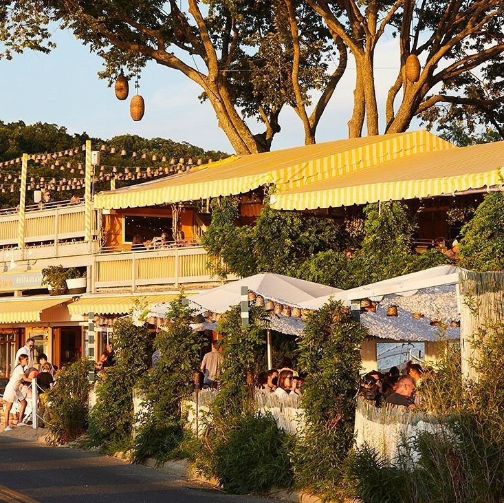 Sunset Beach Shelter Island outdoor seating